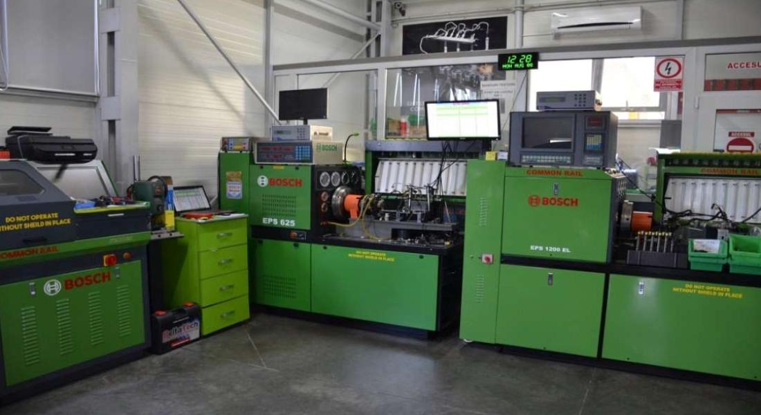 Laboratorul nostru este dotat cu aparatura BOSCH pentru verificarea injectoarelor Pompe Duze montate pe majoritatea autoturismelor Vw, Audi, Skoda, Seat.